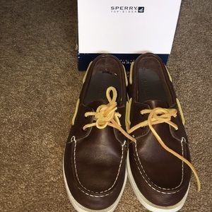 Sperry Topsider, brown leather size 4 1/2 M